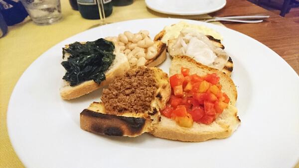 オリーブオイルとパンのお料理ブルスケッタ