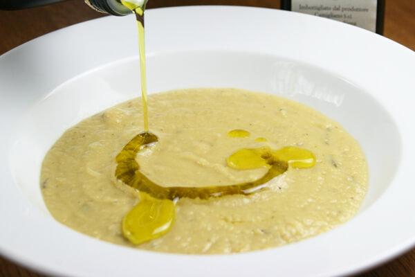 スープにオリーブオイル